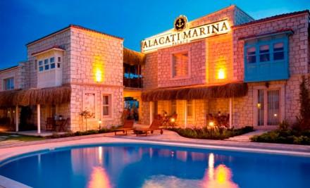 alacati-marina-palace